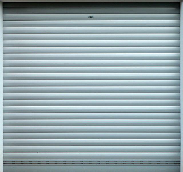Jak dbać o bramy garażowe? Pielęgnacja i sposoby czyszczenia
